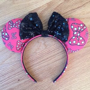 Accessories - Disney inspired polka dot bow Minnie Mouse ears